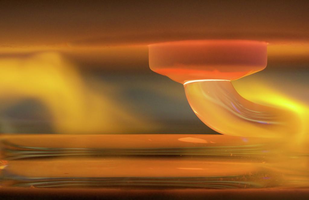 glass-3DP-glass-3D-printing-from-mediated-matter-mit-neri-oxman-1024x664