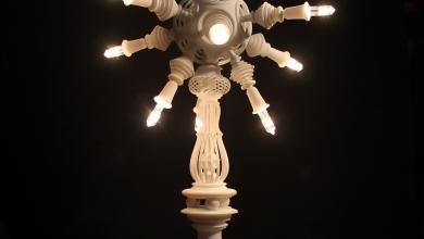 Photo of Gli ornamenti sinterizzati al laser di  Andrea Pacciani diventano una lampada di design