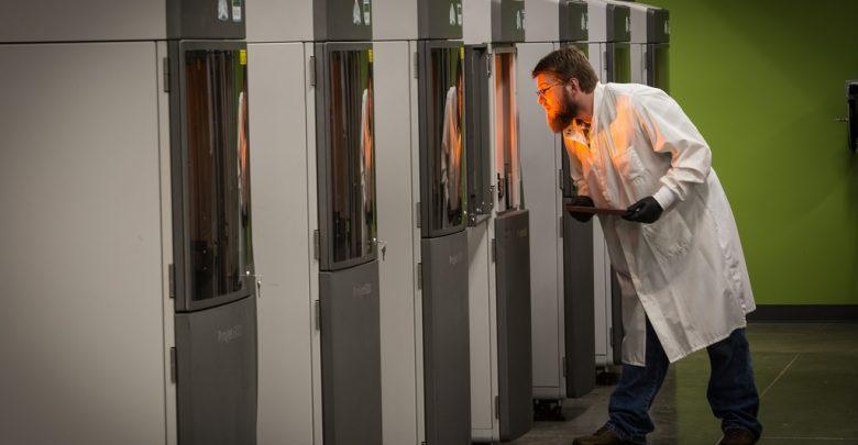 Photo of Intervista a Greg Thompson di Protolabs, per scoprire la situazione attuale della stampa 3D nella produzione