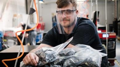 Photo of La stampa 3D SLS di Sinterit supporta la produzione durante la crisi