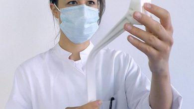 Photo of Rapid Manufacturing AG sviluppa un dispositivo di rimozione dei guanti stampato in 3D per la protezione COVID-19