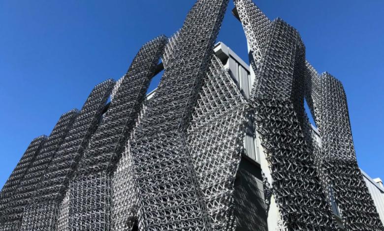 Photo of Processo C-Fab di Branch Technology utilizzato per facciate giganti stampate in 3D e pannelli per pareti esterne