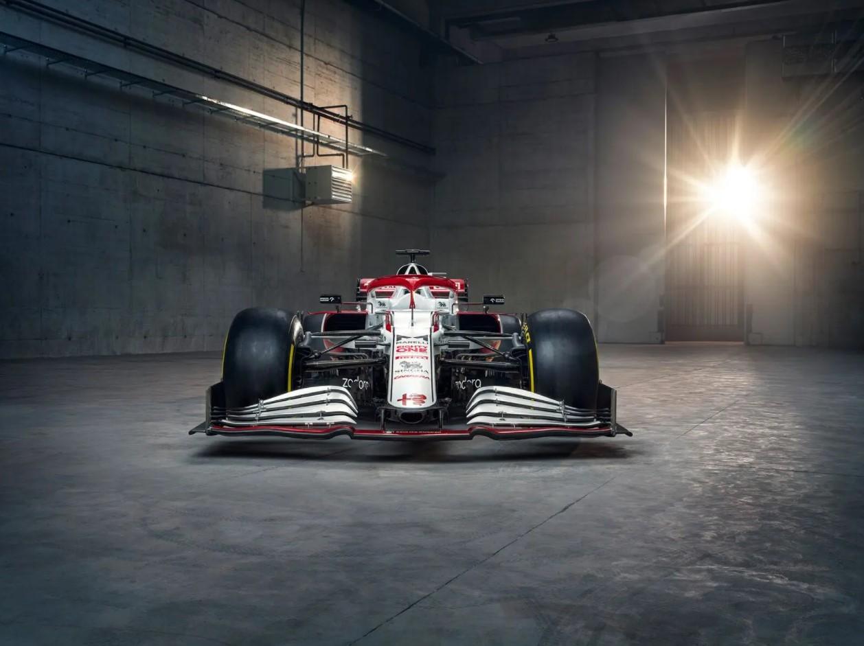 Alfa Romeo Racing ORLEN compie un altro passo avanti nel regno dell'innovazione tecnologica svelando una partnership con AM Solutions