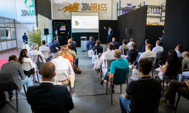 Ivano Corsini, inventore di 3D4BRASS, la prima stampante 3D per l'ottone, ha invitato a un evento a porte chiuse, tenutosi a Bologna
